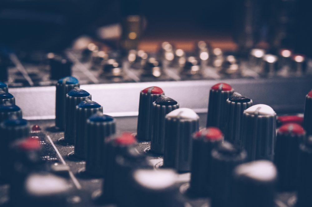 amplifier-analogue-audio-744318